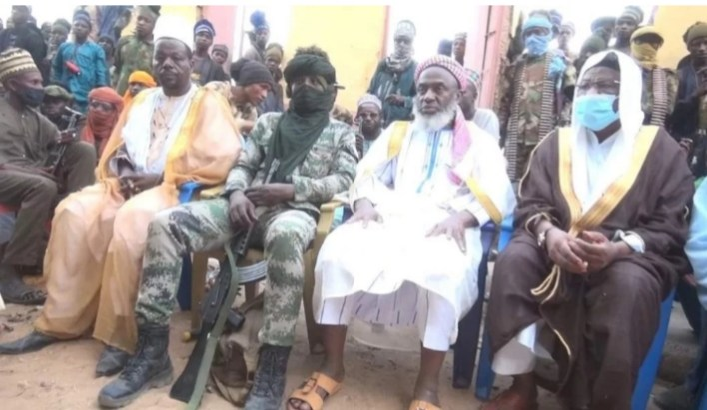 Sheikh Gumi to President Buhari: Negotiate with unrepentant Fulani bandits, grant amnesty to them