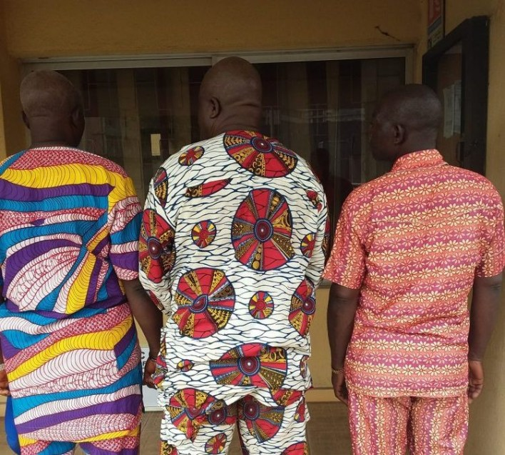 EFCC parades three suspected fraudsters for selling non-existent land to victim