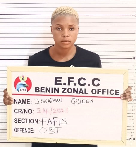 PHOTO: Female internet fraud suspect arrested in Delta State
