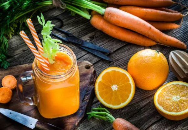 5 detox drinks you should take every morning for a glowing skin