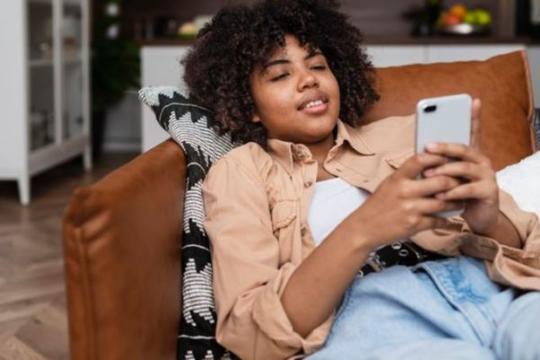 5 tips to foster digital intimacy in your relationship