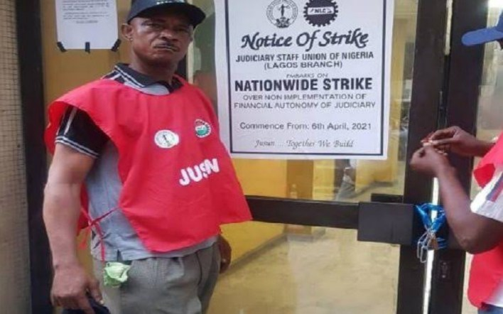 JUST IN: JUSUN storms Federal High Court Lagos, evict workers