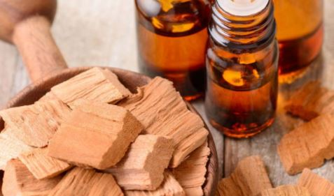 5 amazing things sandalwood oil can do for your skin