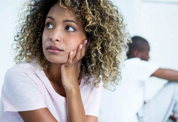 5 signs that a man has big secrets hidden from you