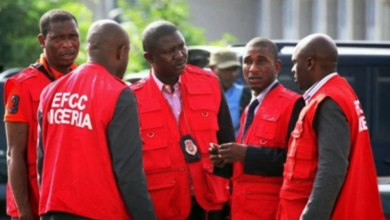 EFCC arrest 8 suspected yahoo boys in Abuja