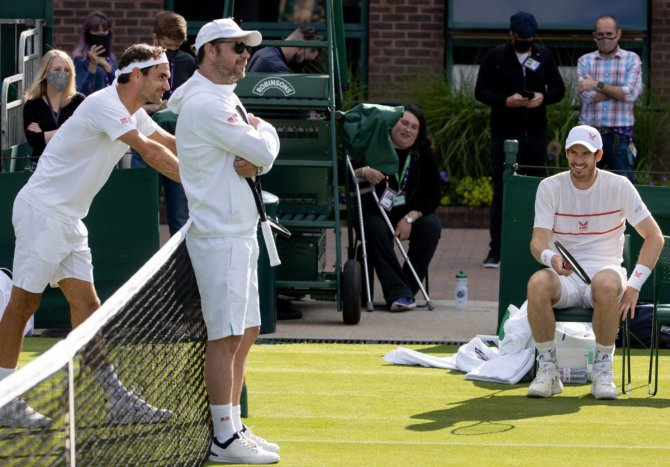 """""""Hope He Can Go Deep There"""": Roger Federer Details Andy Murray's Condition at Wimbledon Championships 2021"""