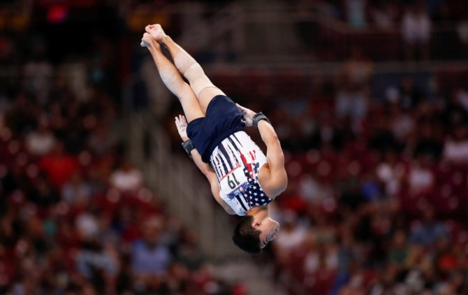 why are gymnasts so short?