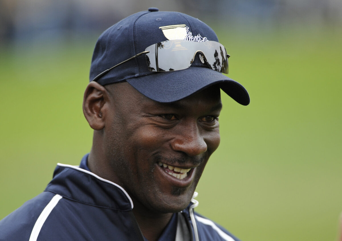 'Don't Need Your Money': American Comedian Details How Michael Jordan Denied Money to Homeless Guy