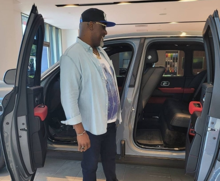 Dino Melaye reacts after automobile company accused him of buying car without paying up
