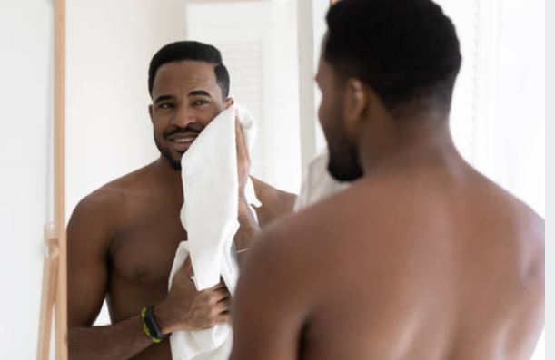 3 simple skin-care tips for men with oily skin