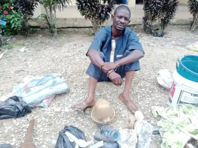 Photos: Suspected ritualist arrested with human skull in Osun
