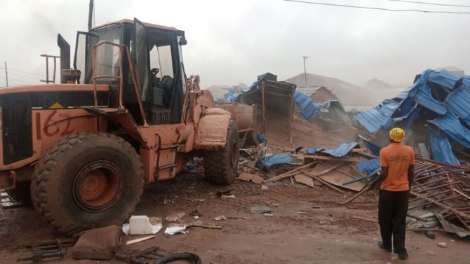 FCTA demolishes over 400 illegal structures in Abuja
