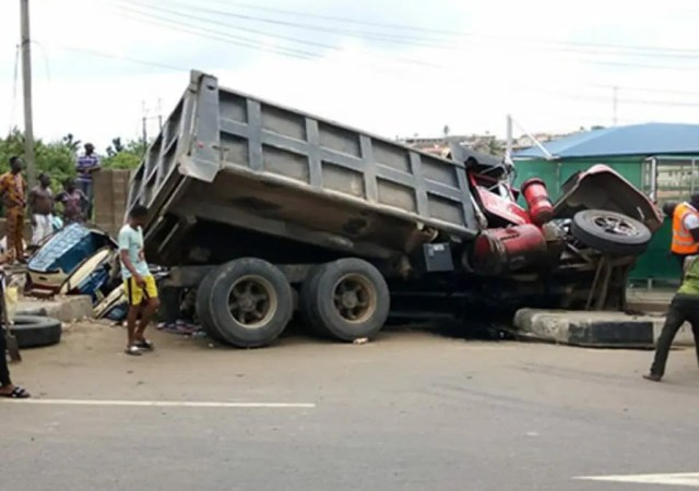 Truck crushes four to death in Kogi
