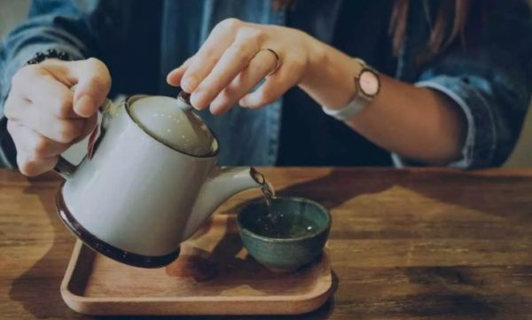 9 drinks that can help keep cholesterol levels in check