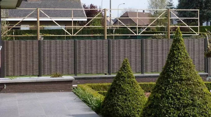 Tuin Laten Aanleggen : Schutting in je tuin laten plaatsen prijs voorbeelden