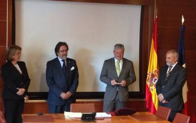 Entrega de las Palmes Académiques a Don Manolo Pío