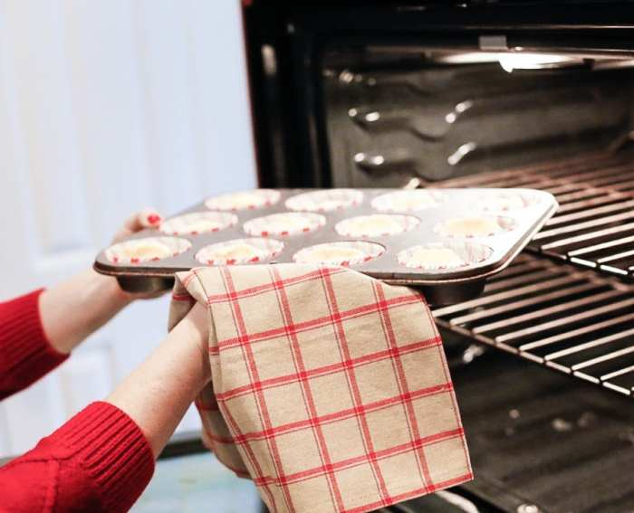 Egg Nog-Cocktails-Cupcake-Recipe-Foodie-Blogger-Recipe-Santa (9 of 10)