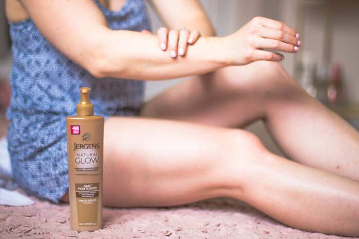 #MyJergensGlow, #CollectiveBias, #Shop,Jergens-Natural-Glow-Arms