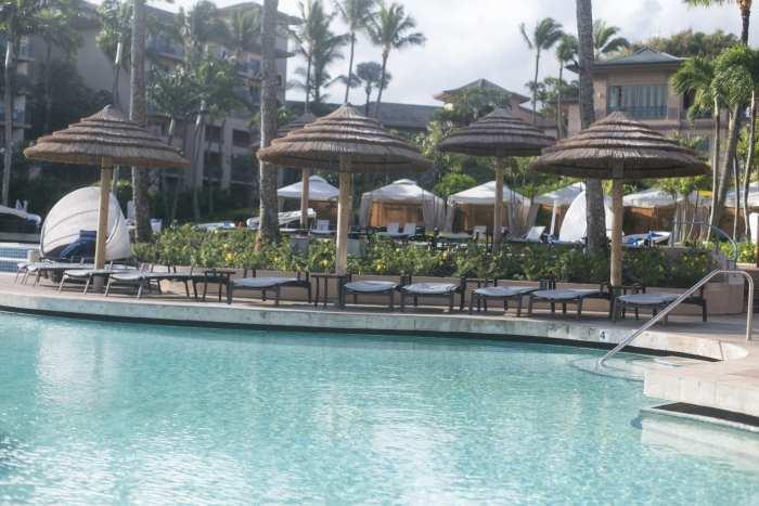Adore Me-Maui-Vacation-Travel-Hawaii-swimsuit-Blogger-Chloe Bag-1-2