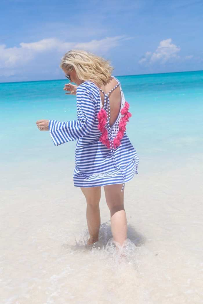 top beach cover ups -Sheinside-Blogger-Fashion-Bahamas-Travel-Beach Cover Up- Tassels-3