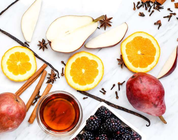 spiced-blackberry-pear-mulled-wine-recipe-2