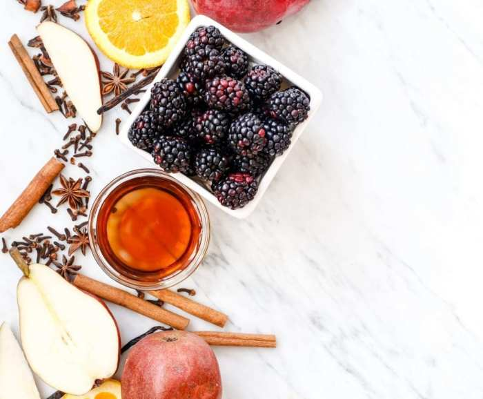 spiced-blackberry-pear-mulled-wine-recipe-6