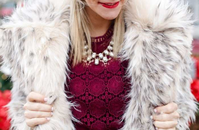 holiday-glam-chicwish-dress-burgundy-dress-faux-fur-3-2
