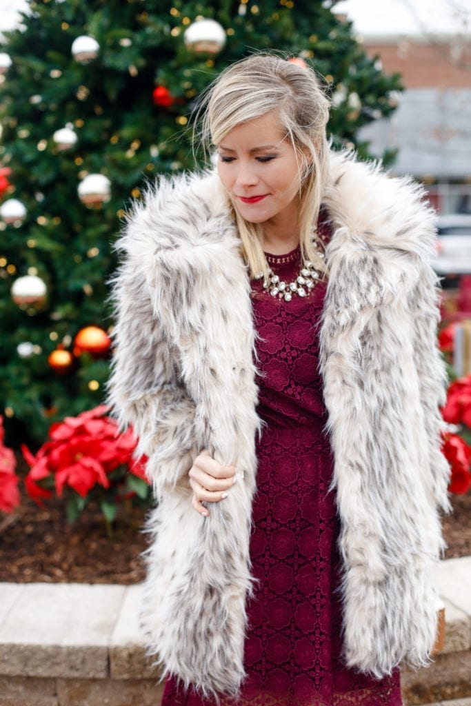 holiday-glam-chicwish-dress-burgundy-dress-faux-fur-3