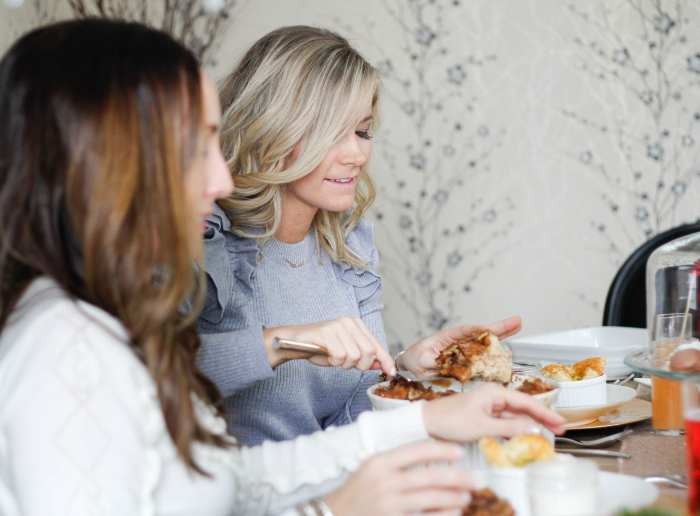 Spreading Christmas cheer with bloggers who brunch during the holidays!