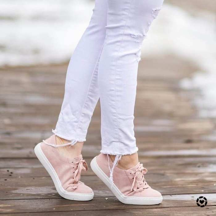 Ashley Pletcher- Instagram- Bloggers on Instagram- Pink Sneakers