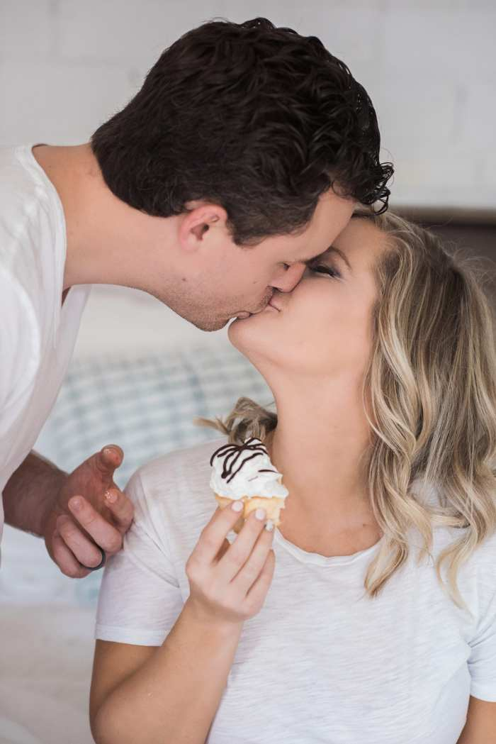 5 stress free ways to prepare for your new baby's arrival- maternity photos