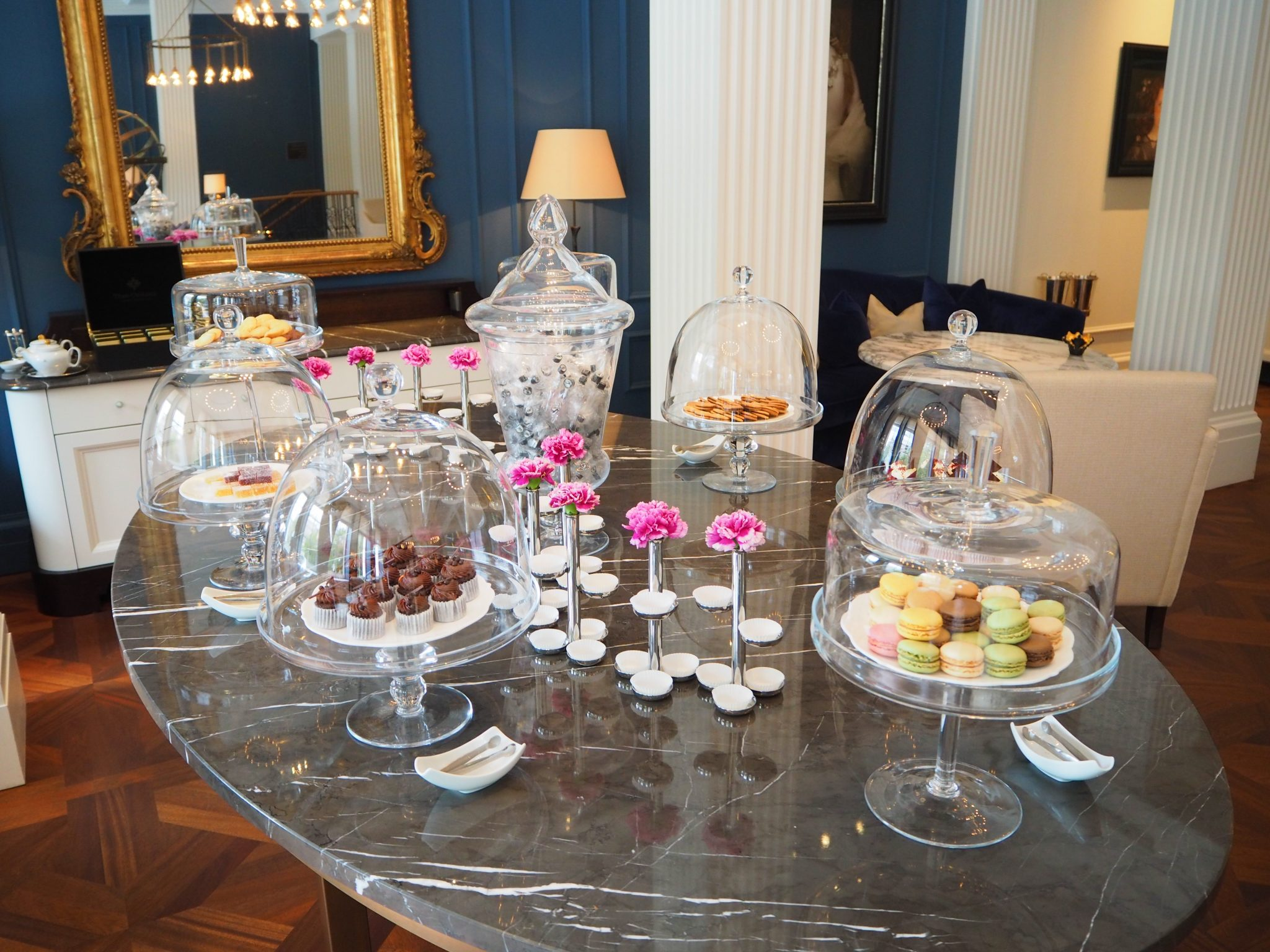 """A la Carte"" Cakes & Pastries - Afternoon Tea - The Waldorf Astoria Amsterdam"