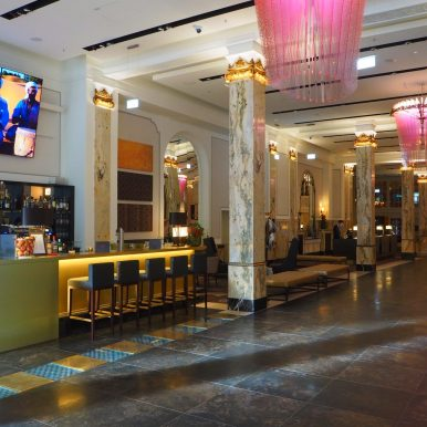 Lobby - Reichshof Hamburg, Curio Collection by Hilton