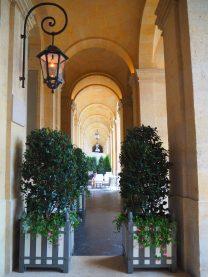 Hôtel de Crillon Paris - Alley / Allée