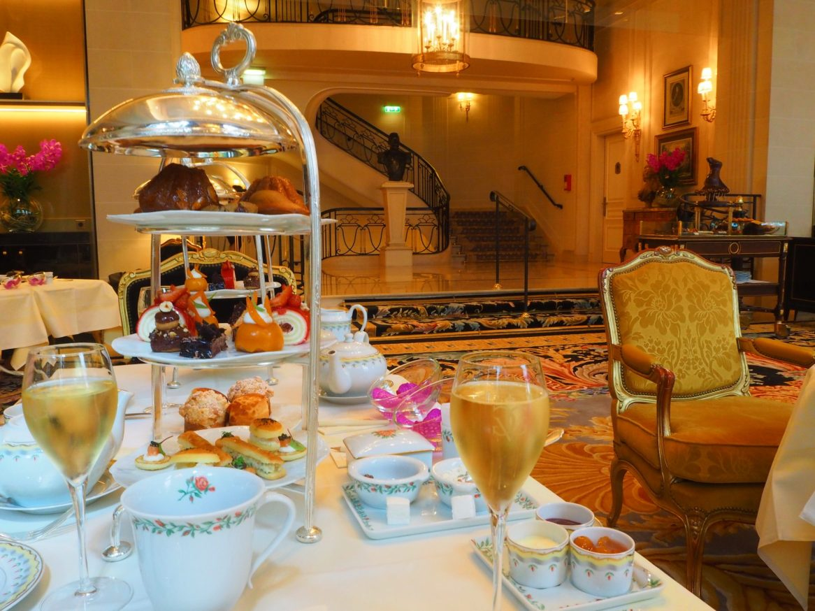Champagne Afternoon Tea / Tea Time - Four Seasons George V Paris