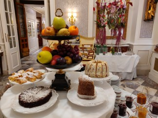 The Sacher cakes & sweets