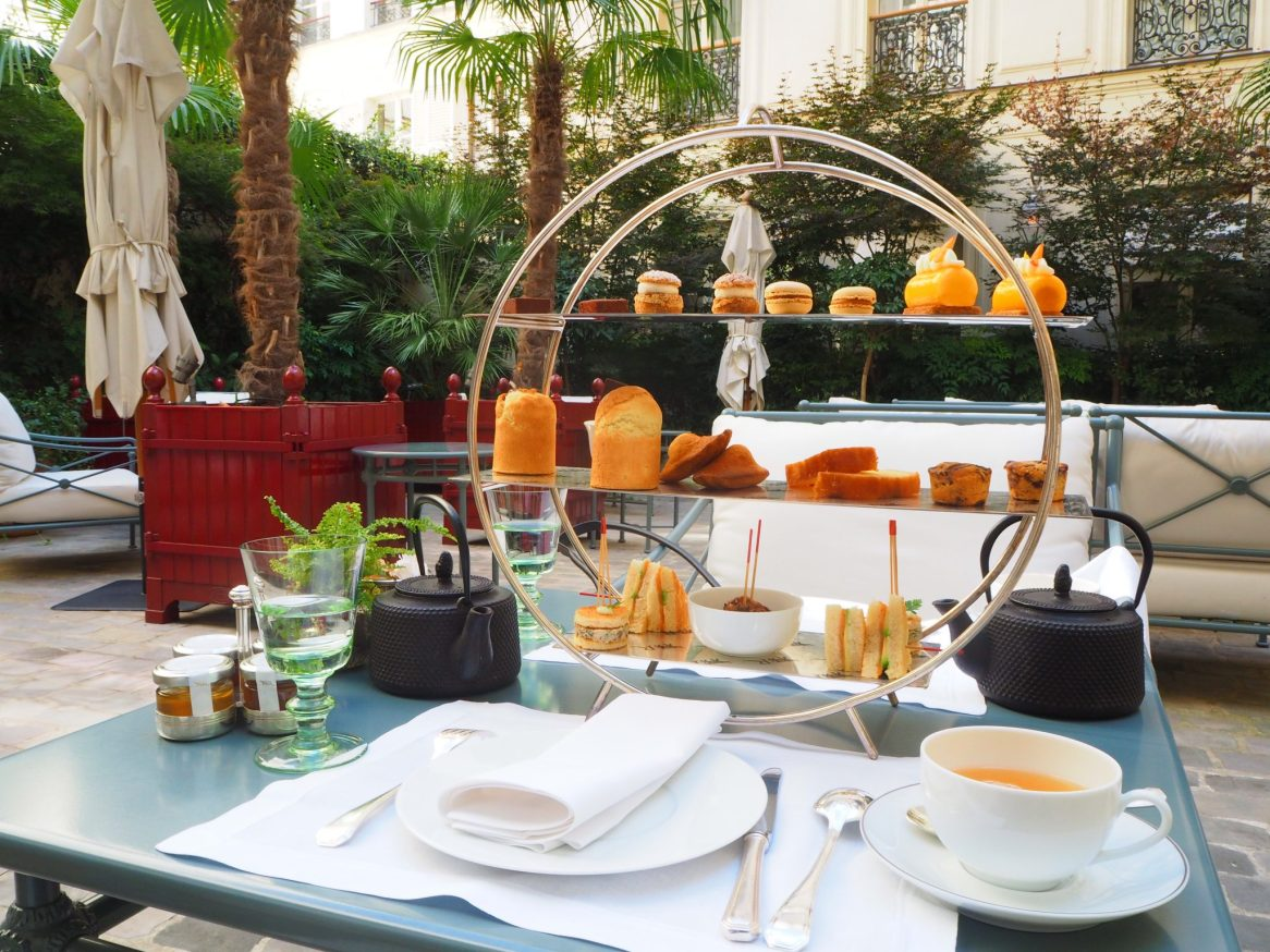 Tea Time / Afternoon Tea - La Réserve Paris Hotel & Spa