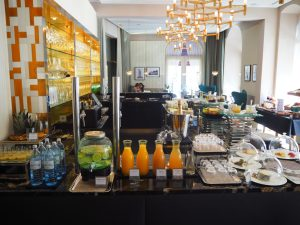 Weekend Brunch Buffet / Veranda Breakfast Hotel Sans Souci Vienna