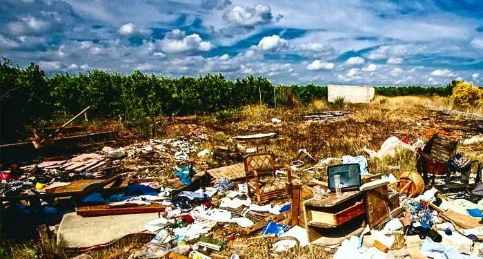 ρίψη σκουπιδιών