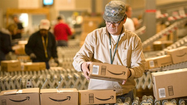 amazon-warehouse-box-worker