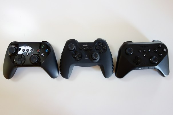 nyko-cygnus-with-Amazon-controllers