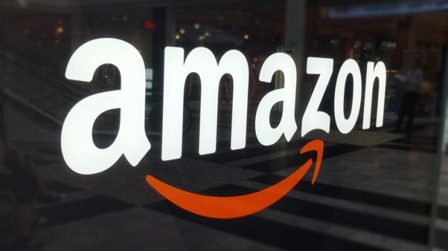 amazon-logo-mall-kiosk-window-glass