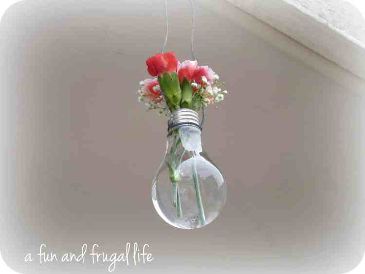 Light bulb vases from A Fun and Frugal Life