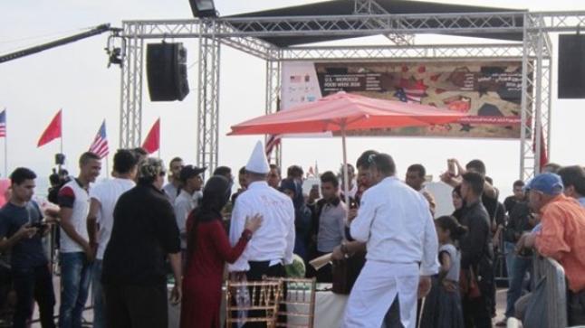 """أمهر الطباخين المغاربة والفرنسيين يلتئمون في """" ملتقيات فنون الطبخ """" بأكادير"""