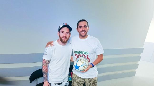 شاب من سوس يقوم بجولة للقاء نجوم الكرة العالمية لدعم تنظيم المغرب مونديال 2026 + (صور وفيديو)