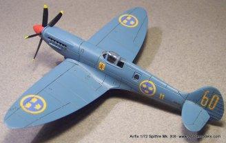 Airfix_Spitfire_MkXIX-3