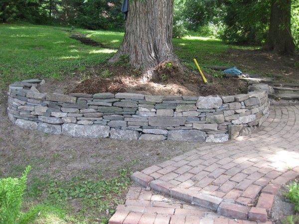 making retaining wall tree