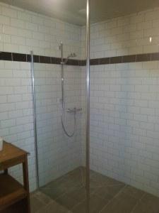 Carrelage de salles de bains : réalisation d'une douche à l'italienne (Nogent-l'Abbesse)