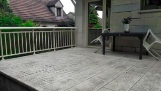 Terrasse béton imprimé imitation pierre