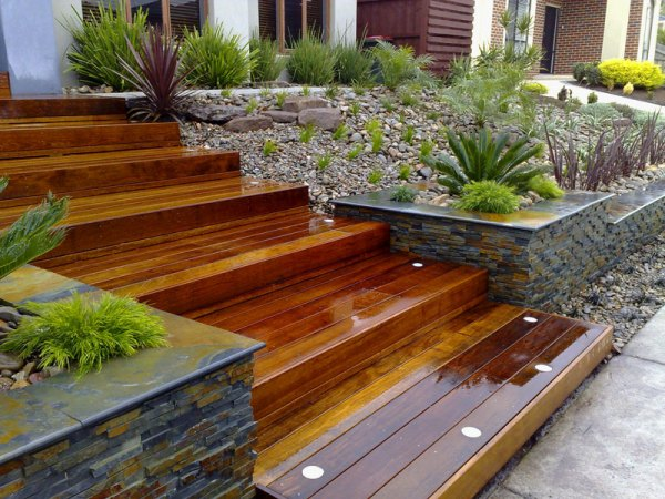 landscaping retaining wall & landscaper